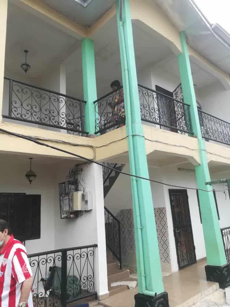 Apartment to rent - Douala, Akwa II, Ver Akwa nord - 1 living room(s), 1 bedroom(s), 1 bathroom(s) - 80 000 FCFA / month