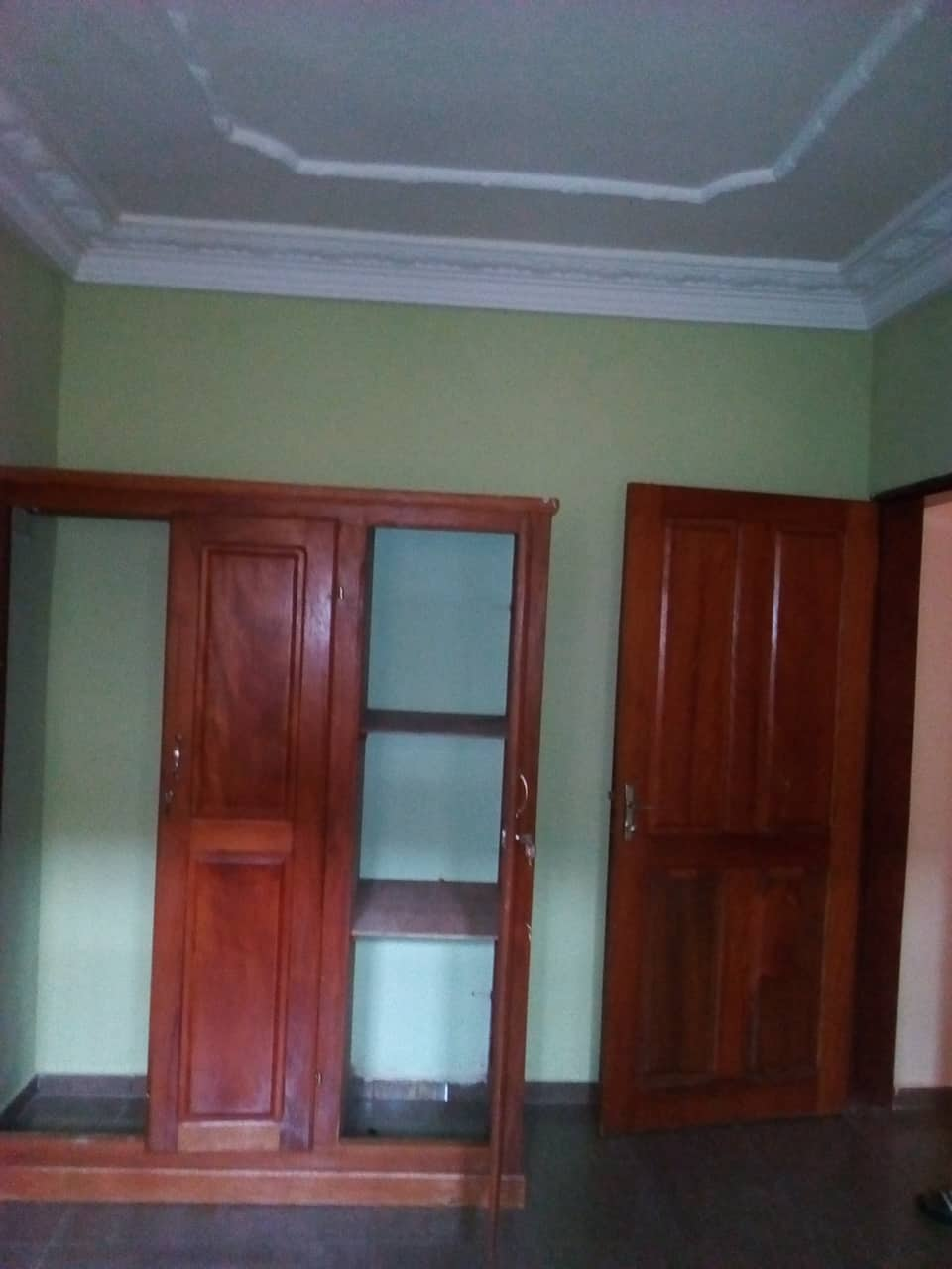 Apartment to rent - Yaoundé, Mfandena, cave - 1 living room(s), 2 bedroom(s), 2 bathroom(s) - 250 000 FCFA / month