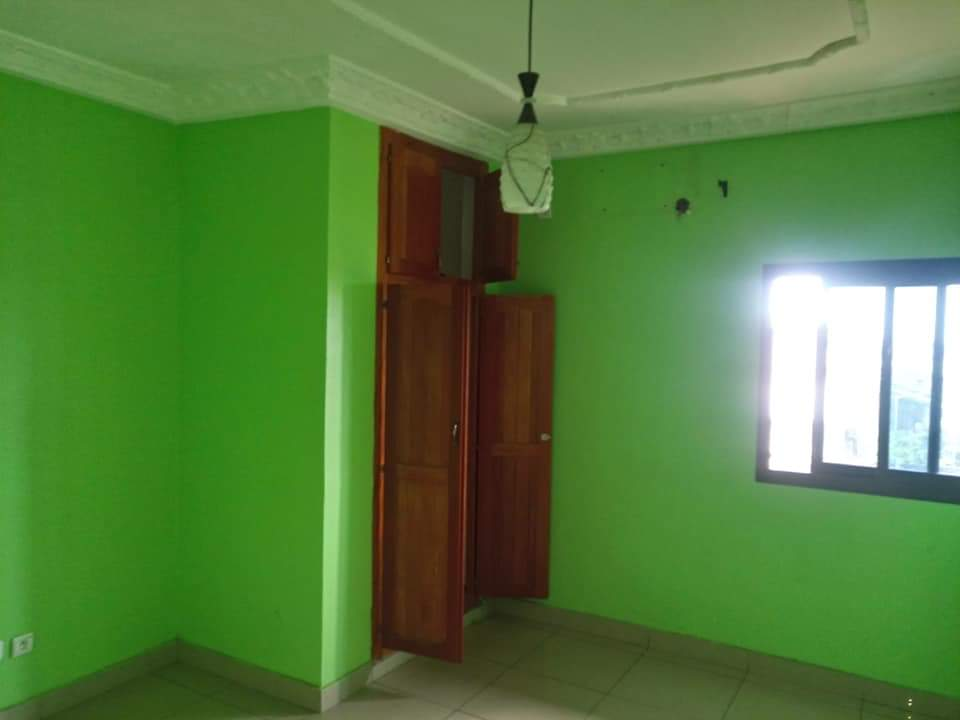Apartment to rent - Douala, Makepe, Rond poulin - 1 living room(s), 1 bedroom(s), 1 bathroom(s) - 110 000 FCFA / month