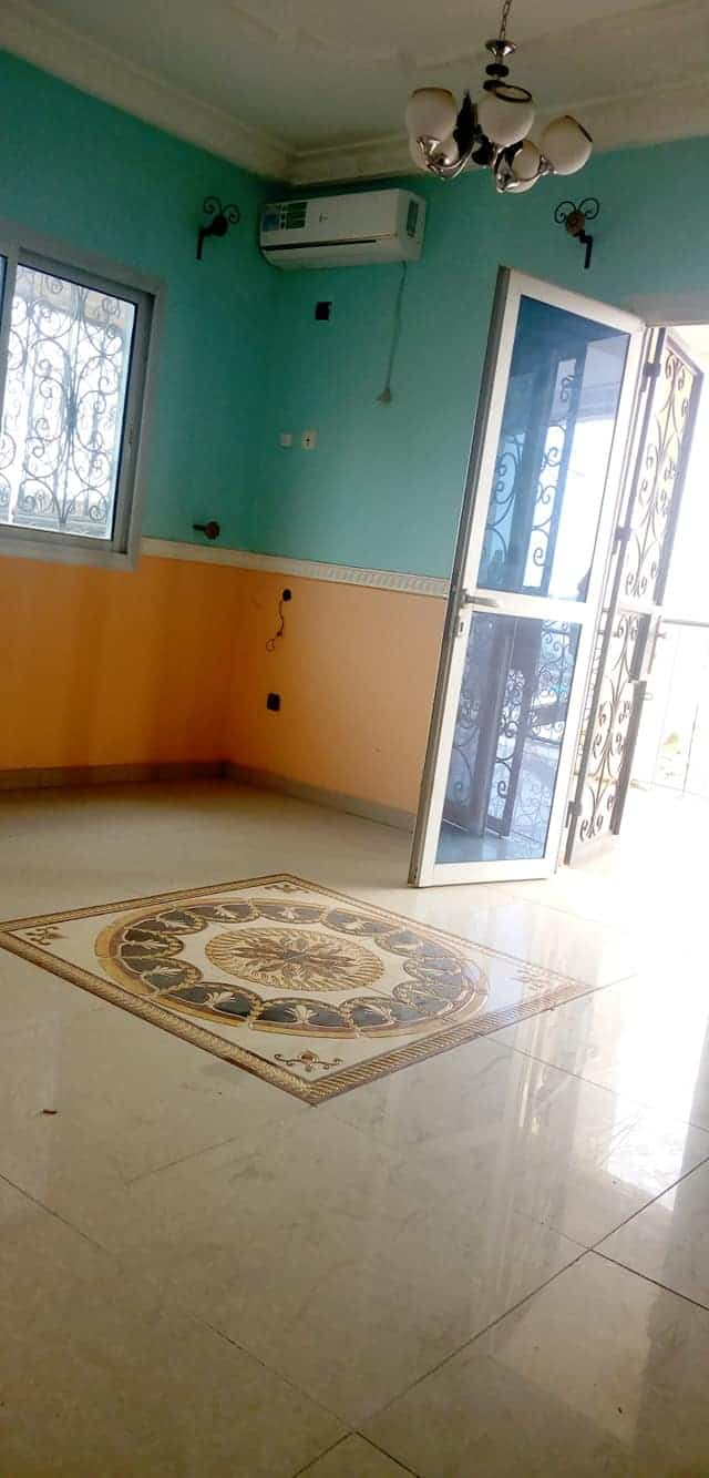 Apartment to rent - Yaoundé, Tsinga, MATAFEN - 1 living room(s), 3 bedroom(s), 2 bathroom(s) - 220 000 FCFA / month