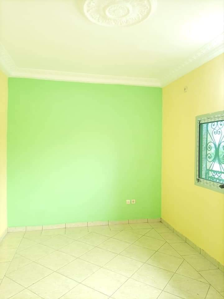 Apartment to rent - Douala, Yassa, NON LOIN DE TRADEX YASSA (JOLIE STUDIO MODERNE FLAMBANT NEUF DANS UN IMMEUBLE). - 1 living room(s), 1 bedroom(s), 1 bathroom(s) - 40 000 FCFA / month