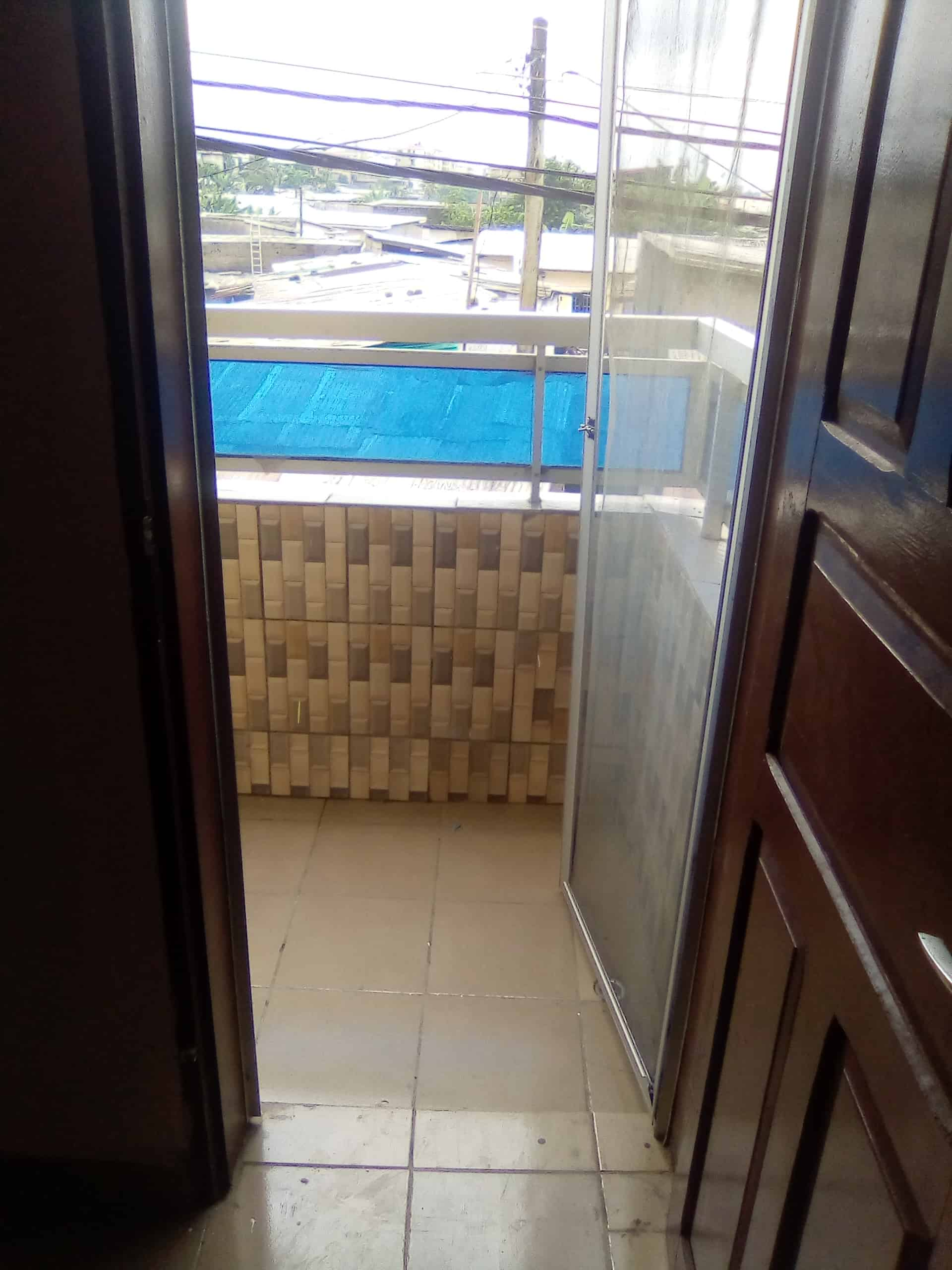 Studio to rent - Douala, Cité SIC, Carrefour IPAH - 50 000 FCFA / month