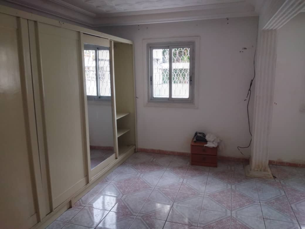 House (Villa) to rent - Douala, Bonamoussadi, Ver l'école   publique - 1 living room(s), 4 bedroom(s), 3 bathroom(s) - 350 000 FCFA / month