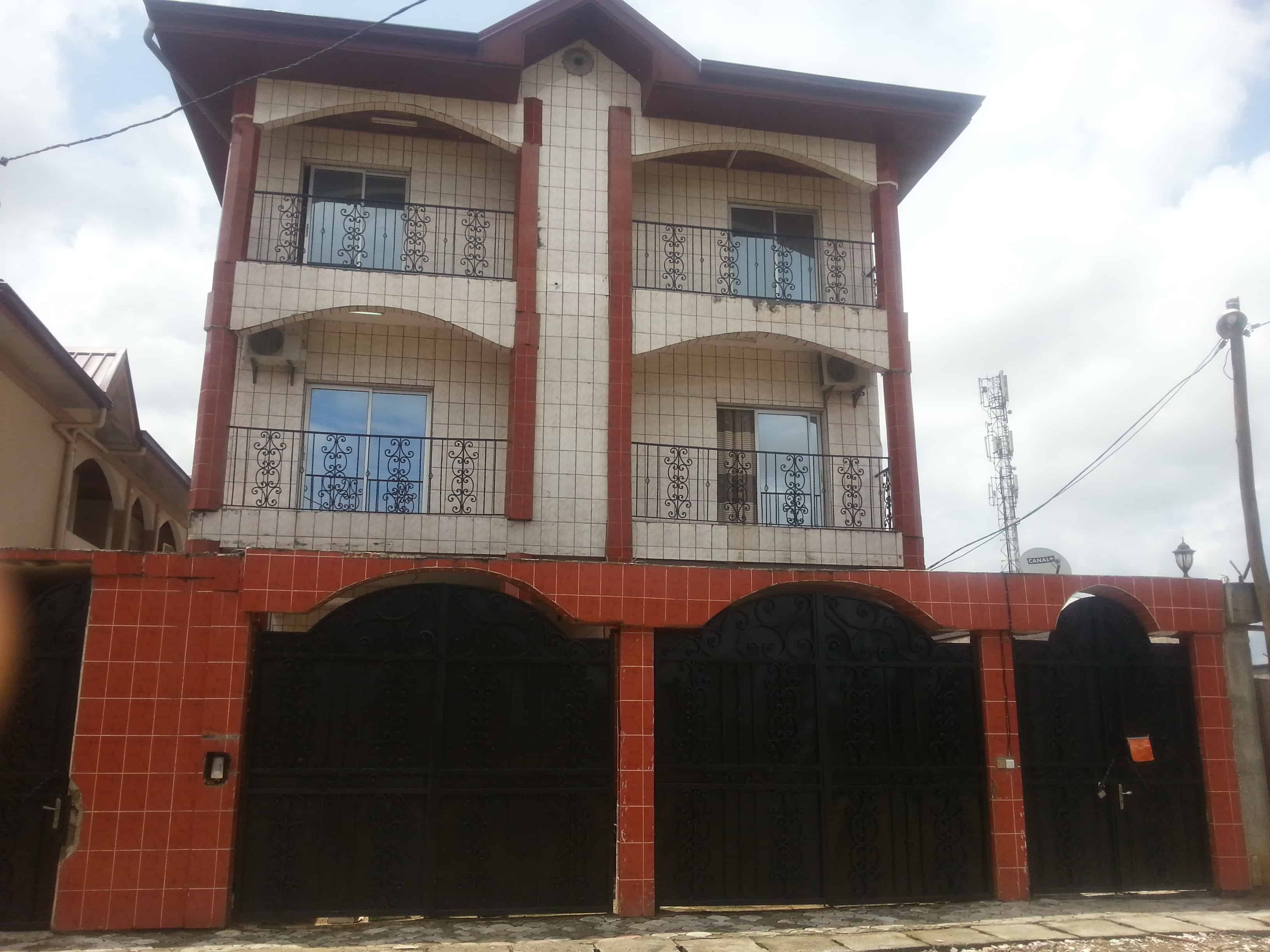 Apartment to rent - Douala, Yassa, Maetur - 1 living room(s), 2 bedroom(s), 1 bathroom(s) - 85 000 FCFA / month