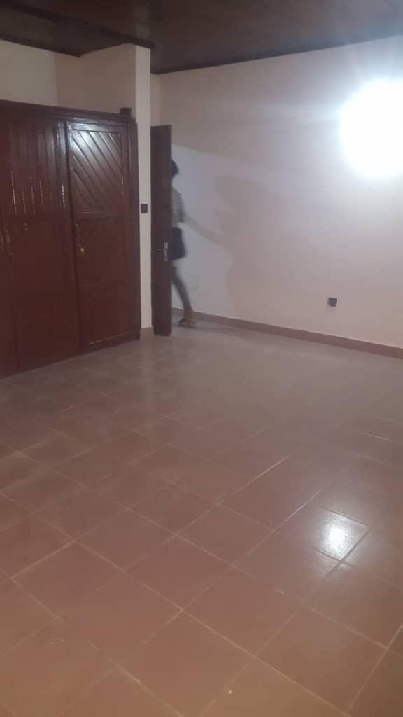 House (Villa) to rent - Douala, PK 10, Ver saker - 1 living room(s), 3 bedroom(s), 2 bathroom(s) - 135 000 FCFA / month