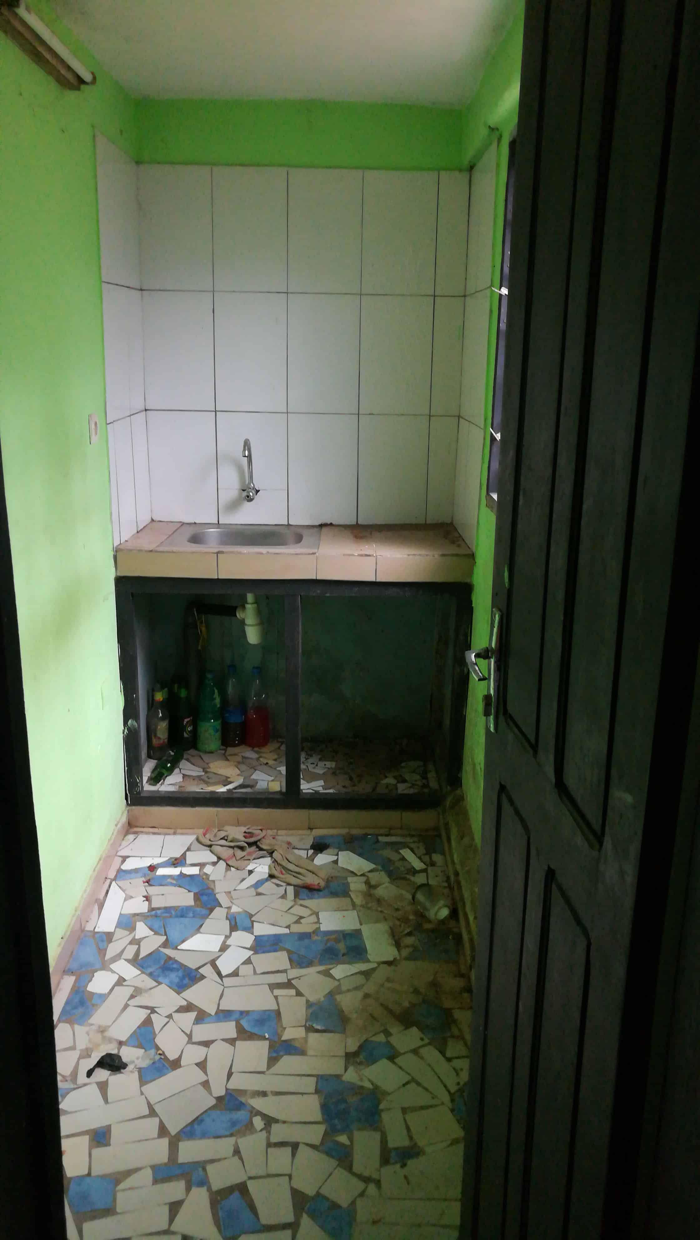 Apartment to rent - Douala, Logpom, Derrière andem - 1 living room(s), 1 bedroom(s), 1 bathroom(s) - 50 000 FCFA / month