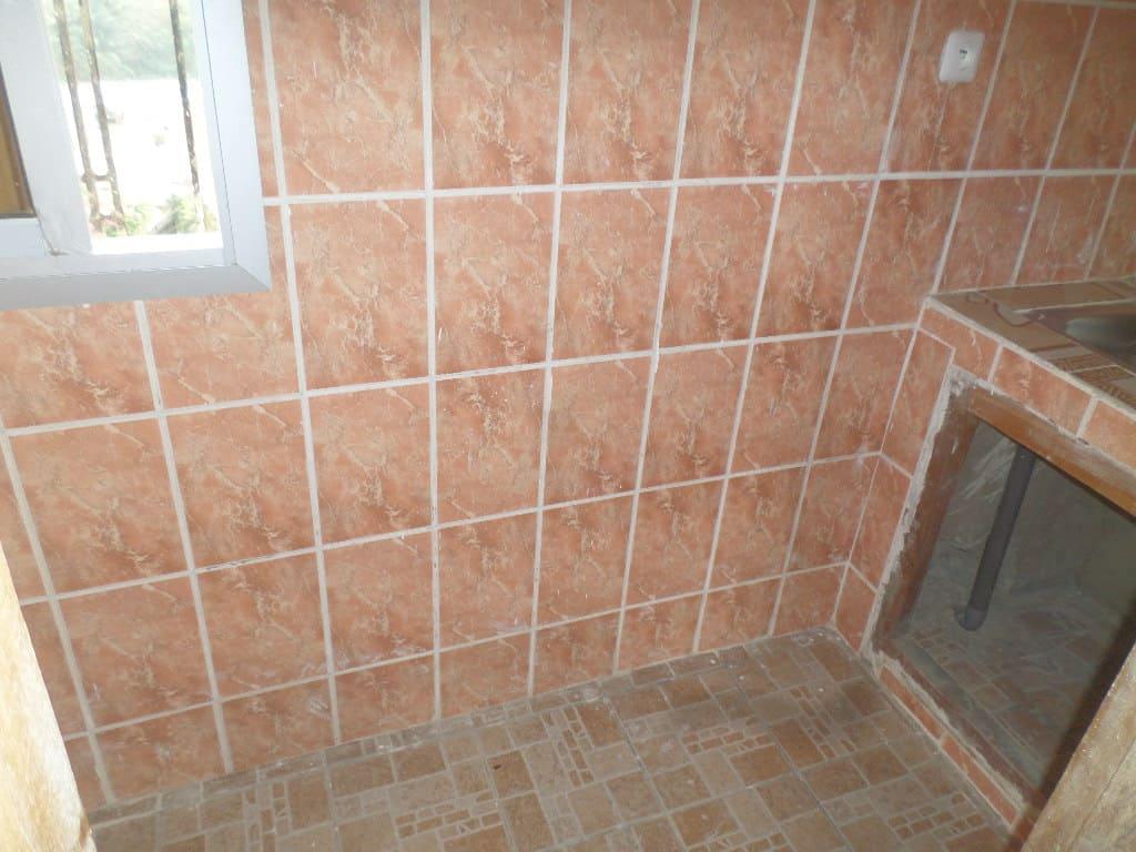 Apartment to rent - Yaoundé, Bastos, vers le golf - 1 living room(s), 1 bedroom(s), 1 bathroom(s) - 150 000 FCFA / month
