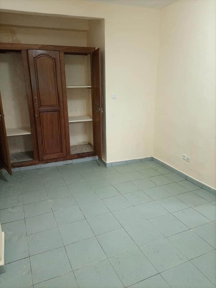 Apartment to rent - Douala, Makepe, STUDIO MODERNE À LOUER À MAKEPE (SAKER RHÔNE POULENC). - 1 living room(s), 1 bedroom(s), 1 bathroom(s) - 70 000 FCFA / month