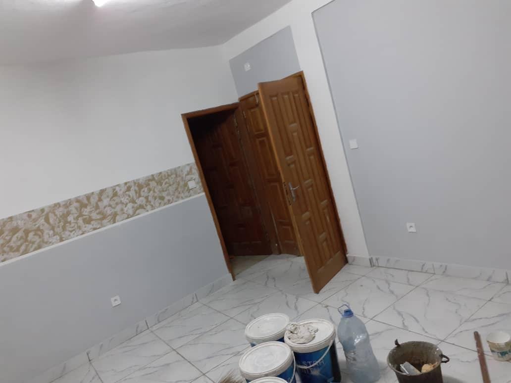 Apartment to rent - Douala, PK 10, Après la station - 1 living room(s), 2 bedroom(s), 1 bathroom(s) - 80 000 FCFA / month