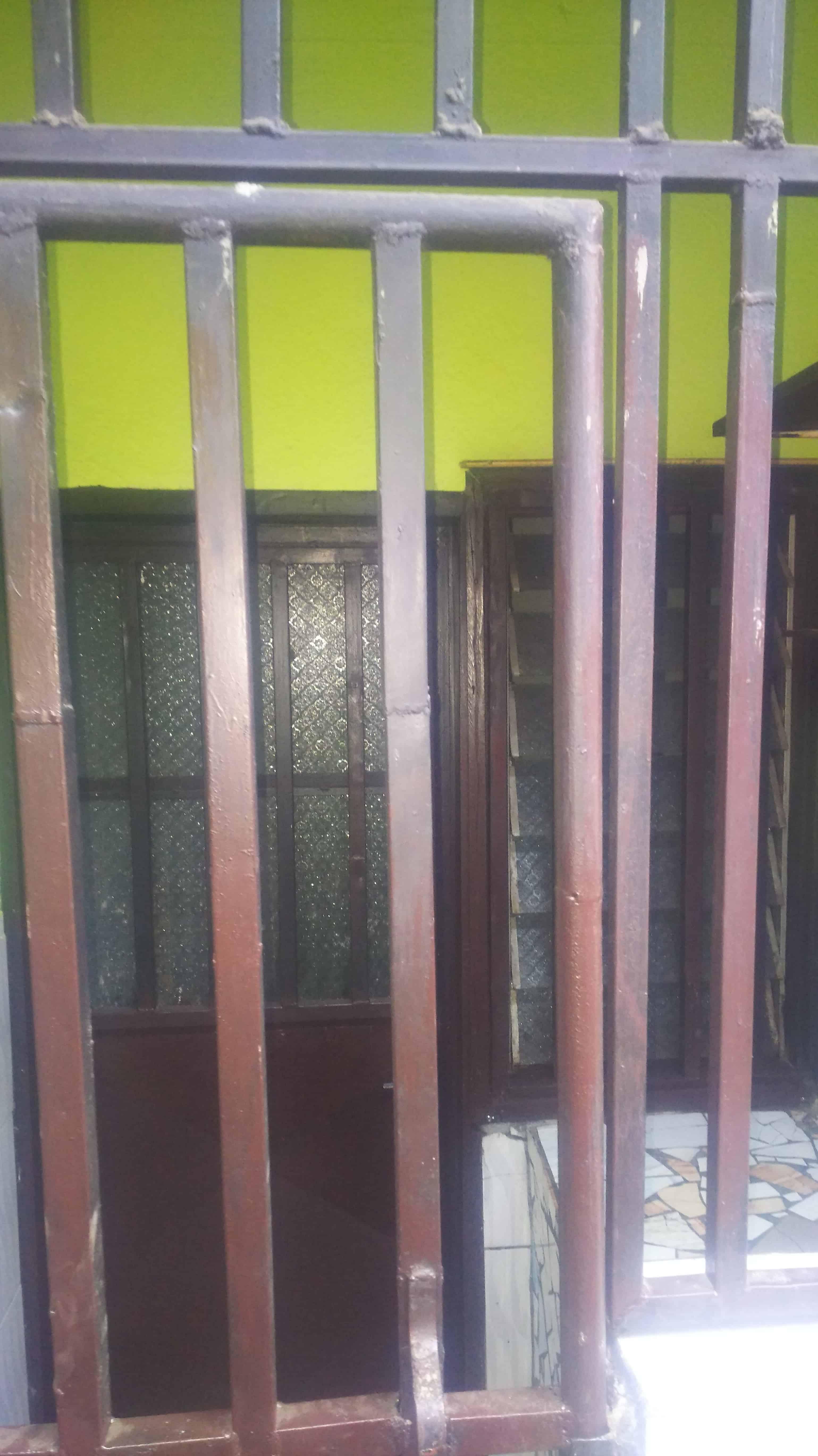 Studio to rent - Douala, Cité SIC, Ange Raphaël Entrée face sic cacao - 35 000 FCFA / month