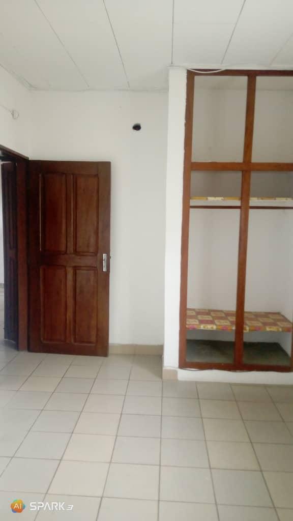 Apartment to rent - Douala, Makepe, Ver belavie - 1 living room(s), 2 bedroom(s), 2 bathroom(s) - 100 000 FCFA / month