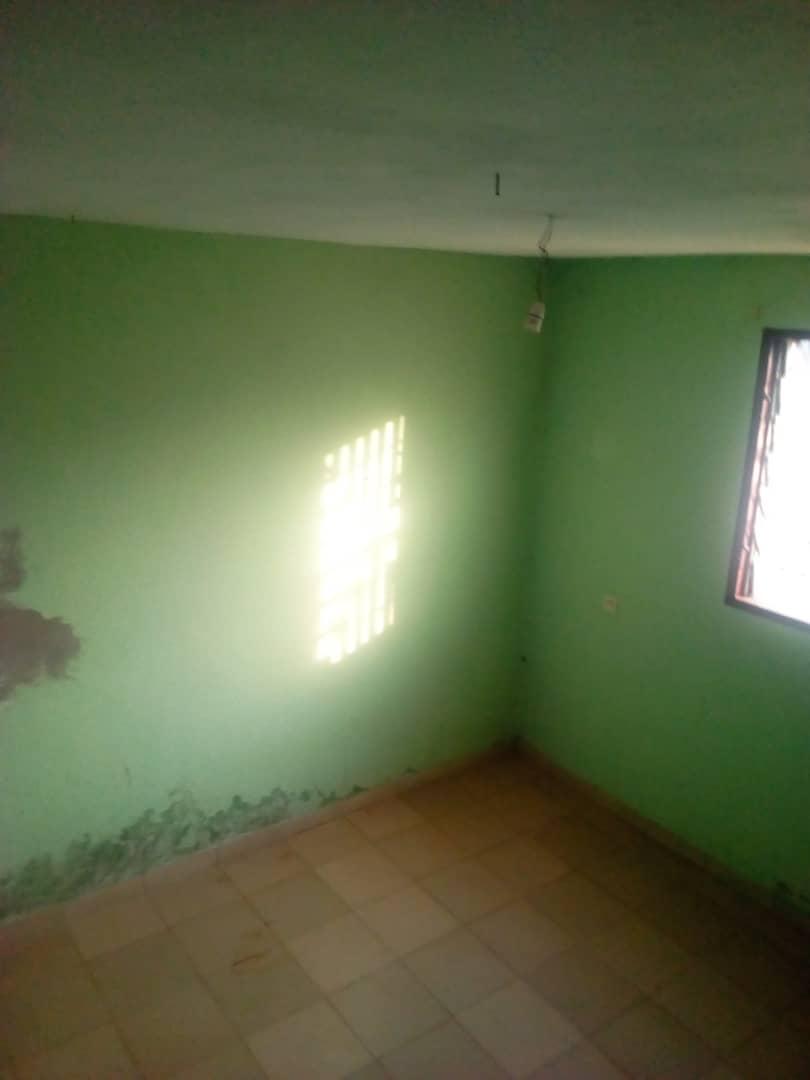Apartment to rent - Yaoundé, Mimboman II, Tchad - 1 living room(s), 2 bedroom(s), 1 bathroom(s) - 80 000 FCFA / month