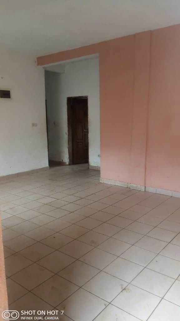 Apartment to rent - Douala, PK 14, C'est a pk13 - 1 living room(s), 3 bedroom(s), 1 bathroom(s) - 80 000 FCFA / month