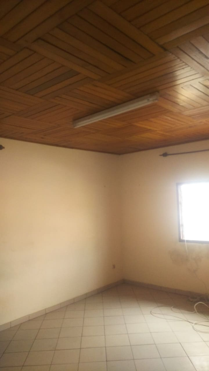 Apartment to rent - Douala, PK 08, FACE Campus ESG ISTA ISA - 1 living room(s), 2 bedroom(s), 2 bathroom(s) - 115 000 FCFA / month