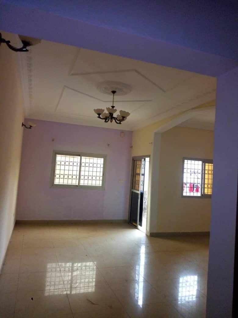Apartment to rent - Yaoundé, Ngousso, génico - 1 living room(s), 3 bedroom(s), 3 bathroom(s) - 140 000 FCFA / month
