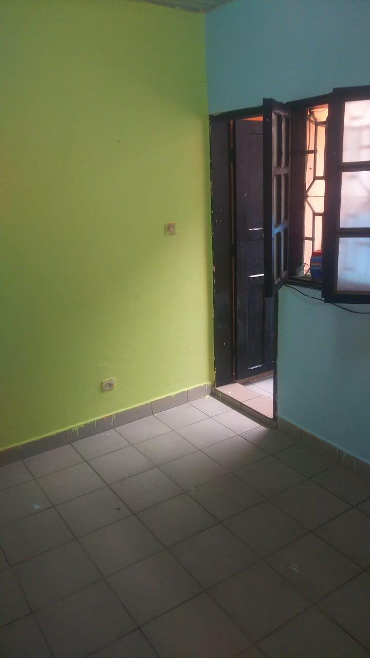 Studio to rent - Douala, Cité SIC, Ange Raphaël, Fin goudron Hôtel le Select - 30 000 FCFA / month