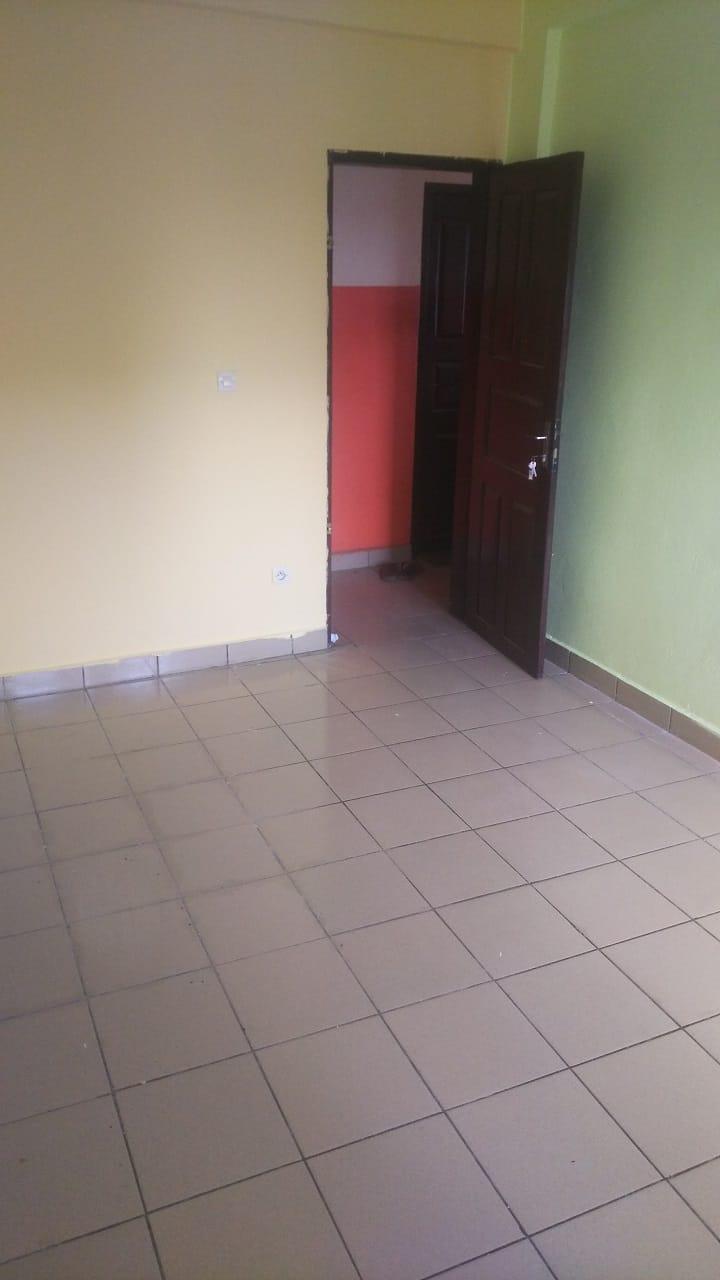 Studio to rent - Douala, Cité SIC, Ange Raphaël, Caerrefour IPAH - 35 000 FCFA / month