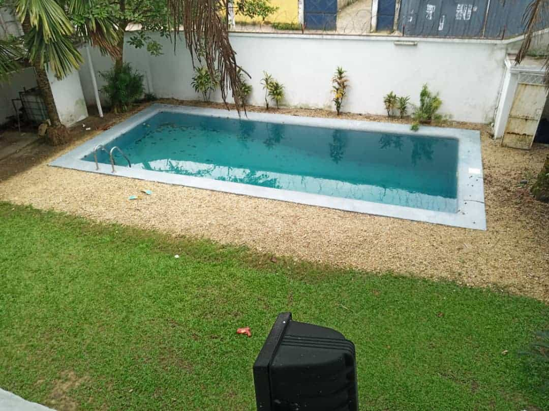 House (Villa) to rent - Douala, Bonapriso, Armée de l'air - 1 living room(s), 4 bedroom(s), 3 bathroom(s) - 2 500 000 FCFA / month