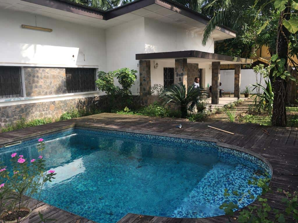 House (Villa) to rent - Douala, Bonapriso, Ribambelle - 1 living room(s), 4 bedroom(s), 3 bathroom(s) - 2 500 000 FCFA / month