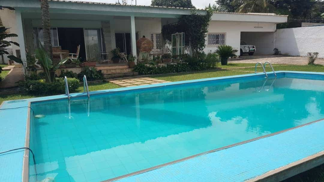 House (Villa) to rent - Yaoundé, Bastos, Ambassade de Chine - 1 living room(s), 4 bedroom(s), 4 bathroom(s) - 2 000 000 FCFA / month