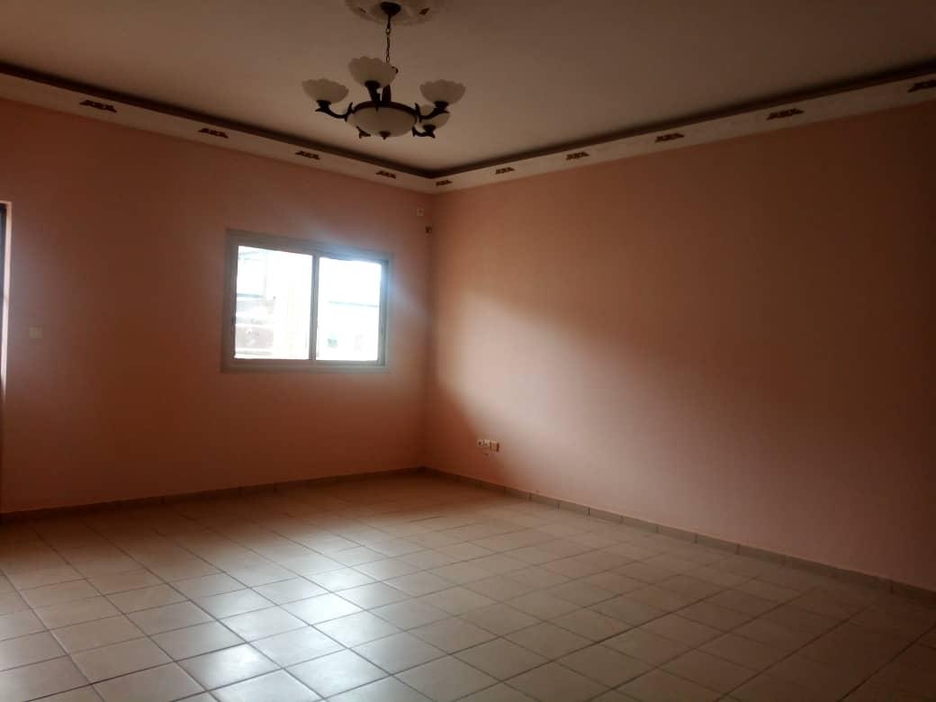 Apartment to rent - Douala, Makepe, Ver st Tropez - 1 living room(s), 3 bedroom(s), 2 bathroom(s) - 210 000 FCFA / month