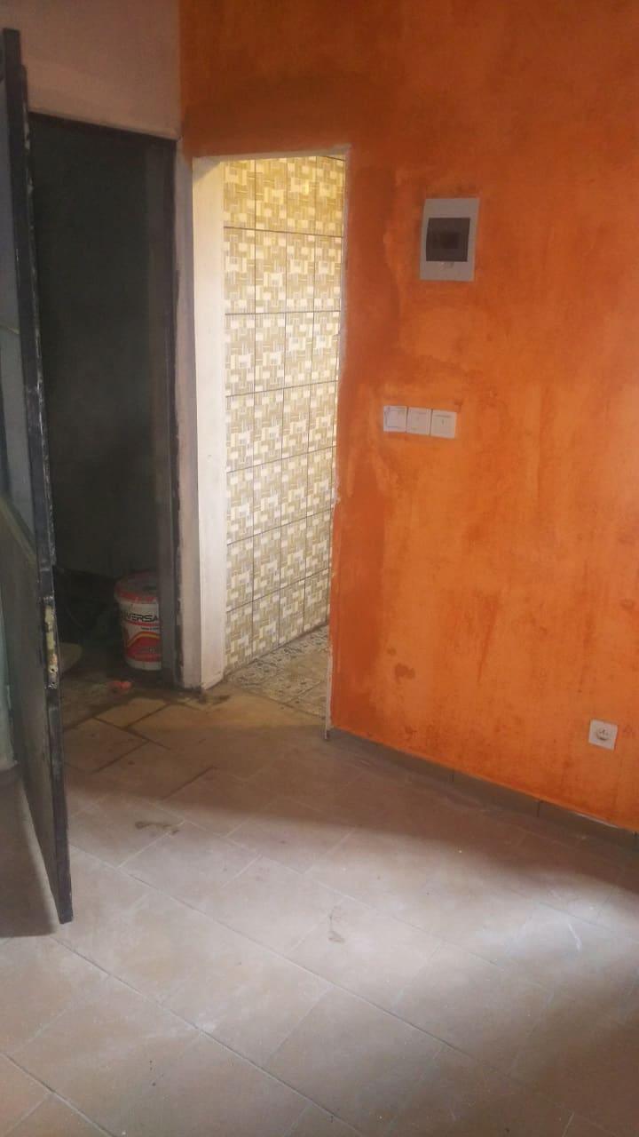 Chambre à louer - Douala, Cité SIC, Ange Raphaël, Entrée Face Sic Cacao - 30 000 FCFA / mois