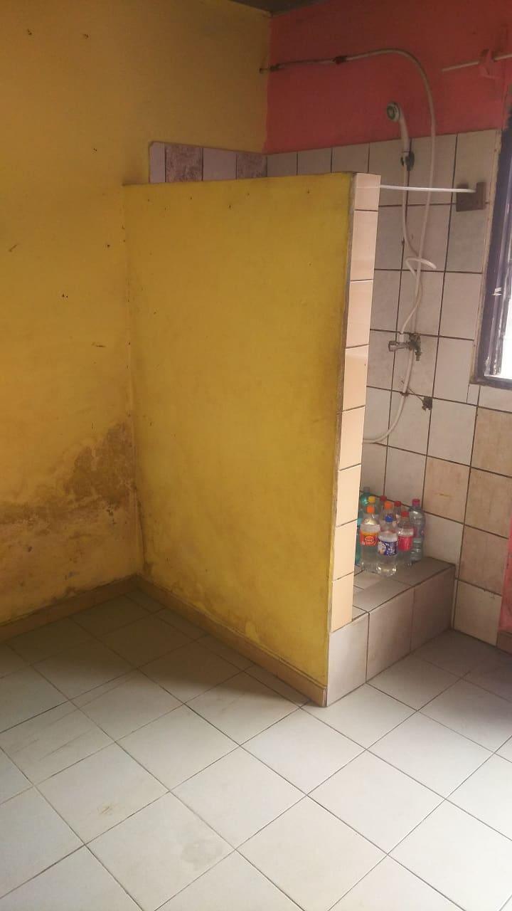 Chambre à louer - Douala, Cité SIC, Stade CICAM - 25 000 FCFA / mois