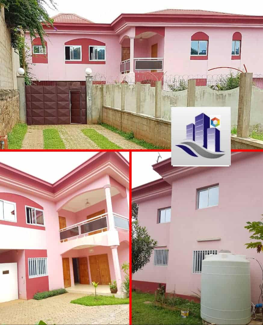 House (Duplex) to rent - Yaoundé, Bastos, Dragage - 2 living room(s), 4 bedroom(s), 4 bathroom(s) - 1 500 000 FCFA / month