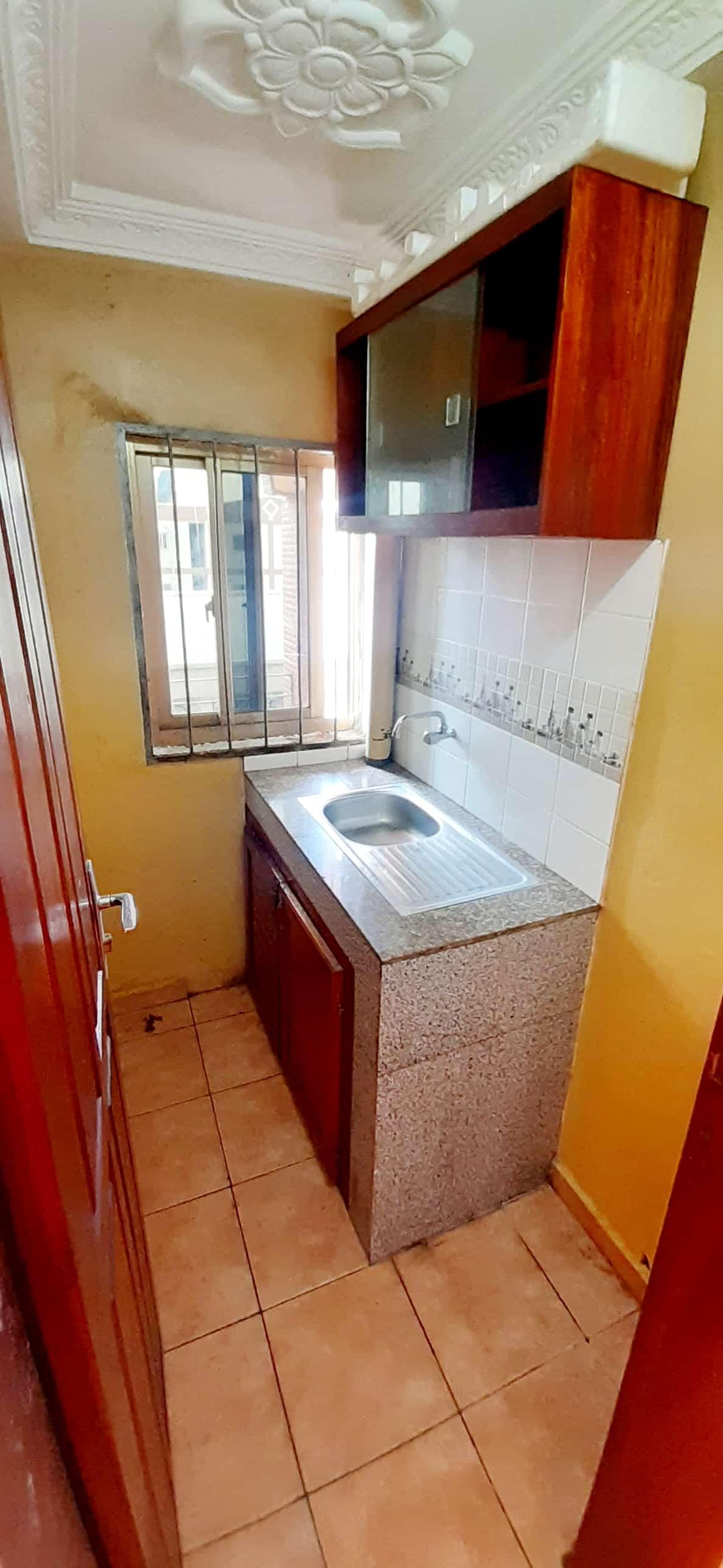 Studio to rent - Douala, Akwa I, Kotto Chefferie - 80 FCFA / month