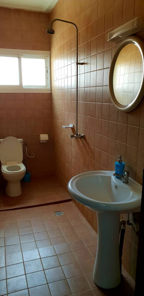 Apartment to rent - Yaoundé, Santa Barbara, Pas loin  de la sonel - 1 living room(s), 2 bedroom(s), 2 bathroom(s) - 900 000 FCFA / month