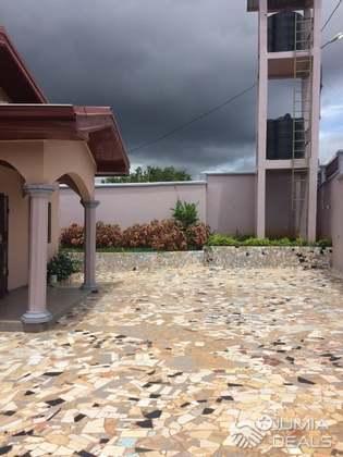 House (Villa) for sale - Yaoundé, Olembe, yaoundé - 1 living room(s), 3 bedroom(s), 2 bathroom(s) - 56 000 000 FCFA / month