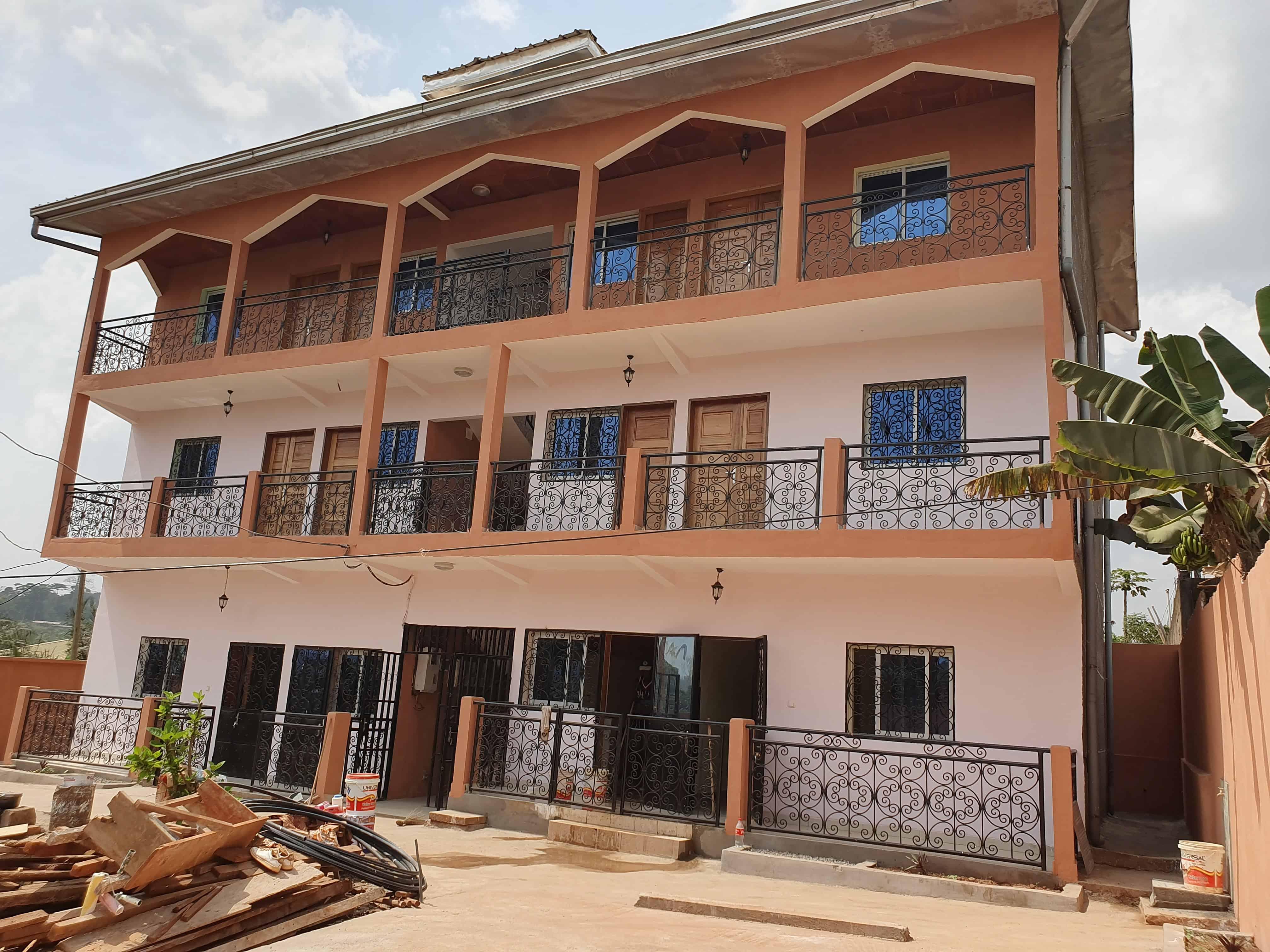 Apartment to rent - Yaoundé, Simbock, Monté mechecam - 1 living room(s), 2 bedroom(s), 1 bathroom(s) - 80 000 FCFA / month