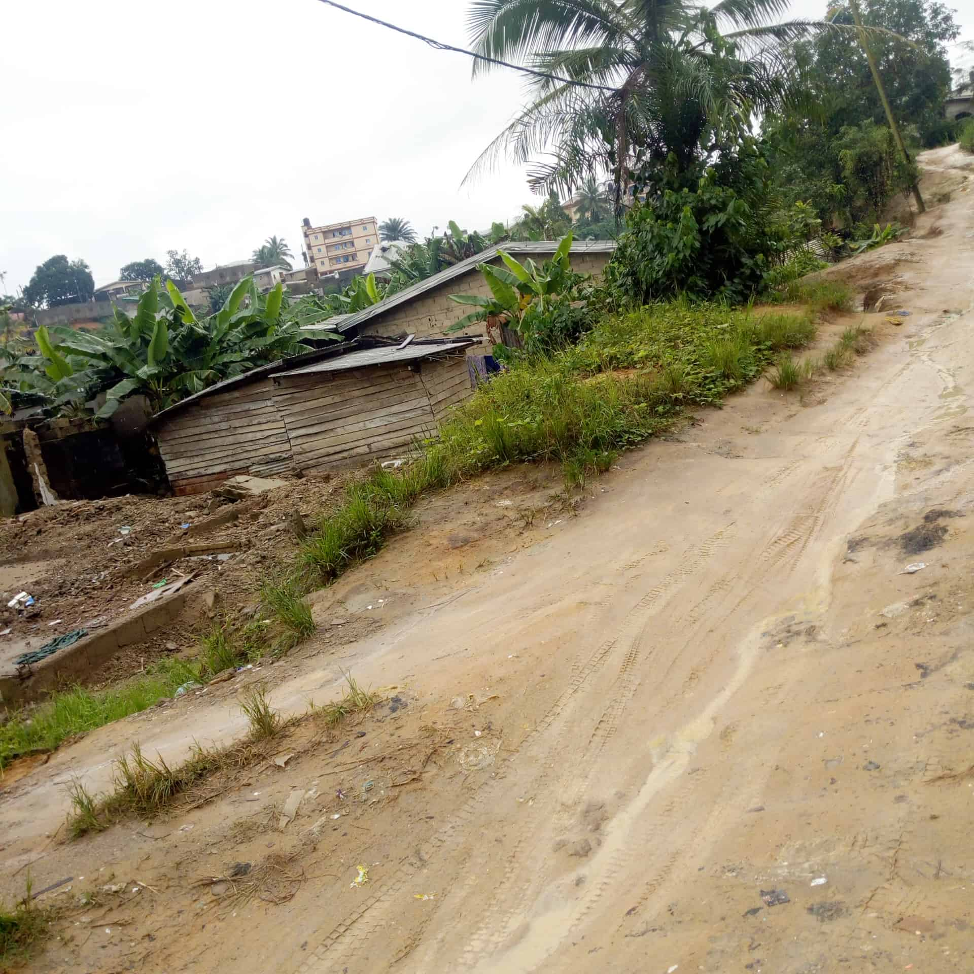 Land for sale at Douala, Bonamoussadi, Baobab bangue - 327 m2 - 14 000 000 FCFA