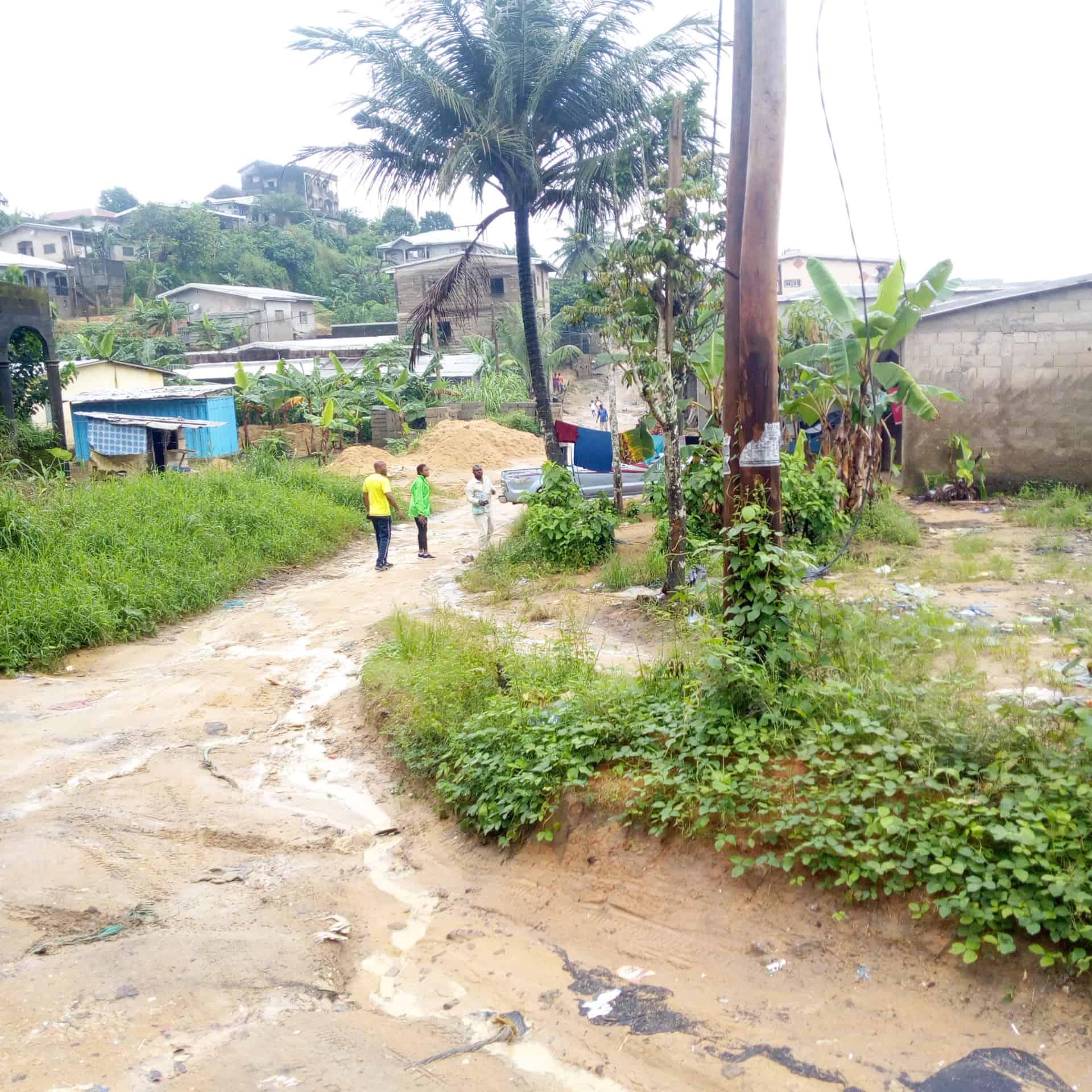 Land for sale at Douala, Logpom, Derrière total - 457 m2 - 50 000 000 FCFA