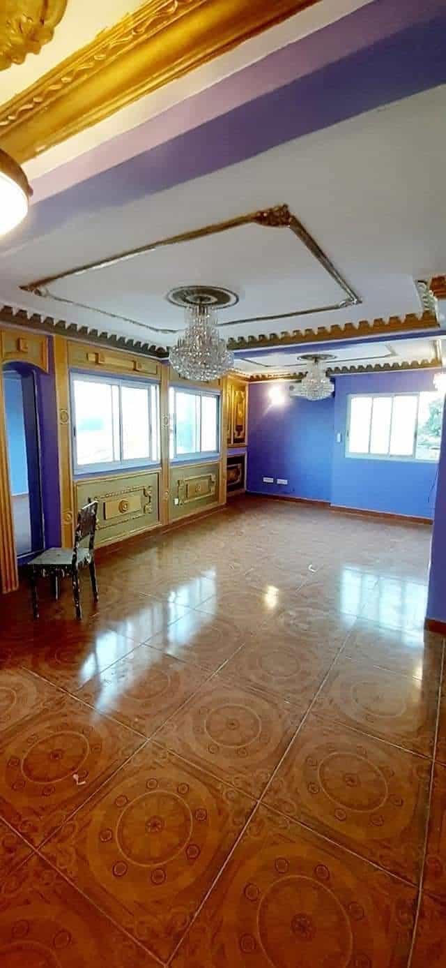 Apartment to rent - Douala, Deido, Bonateki - 1 living room(s), 3 bedroom(s), 2 bathroom(s) - 200 000 FCFA / month