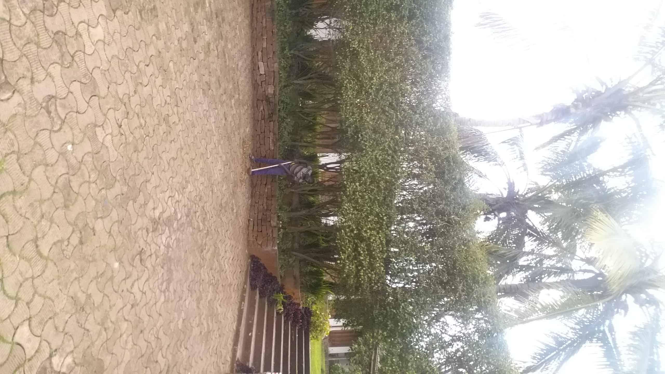 House (Villa) to rent - Yaoundé, Bastos, Bastos onusida - 2 living room(s), 4 bedroom(s), 4 bathroom(s) - 1 800 000 FCFA / month