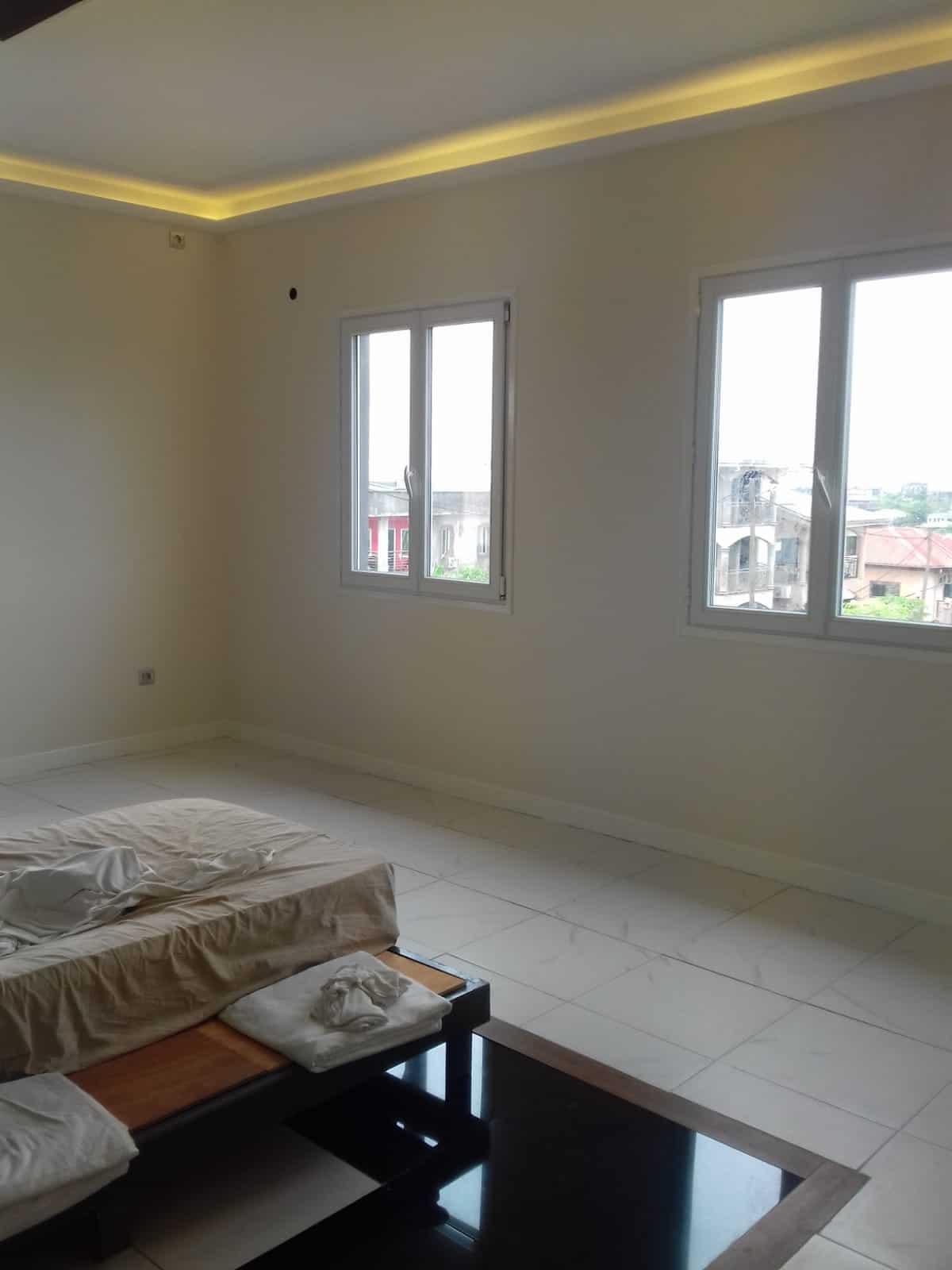 House (Duplex) for sale - Douala, Yassa, Ver pariso - 2 living room(s), 4 bedroom(s), 4 bathroom(s) - 150 000 000 FCFA / month