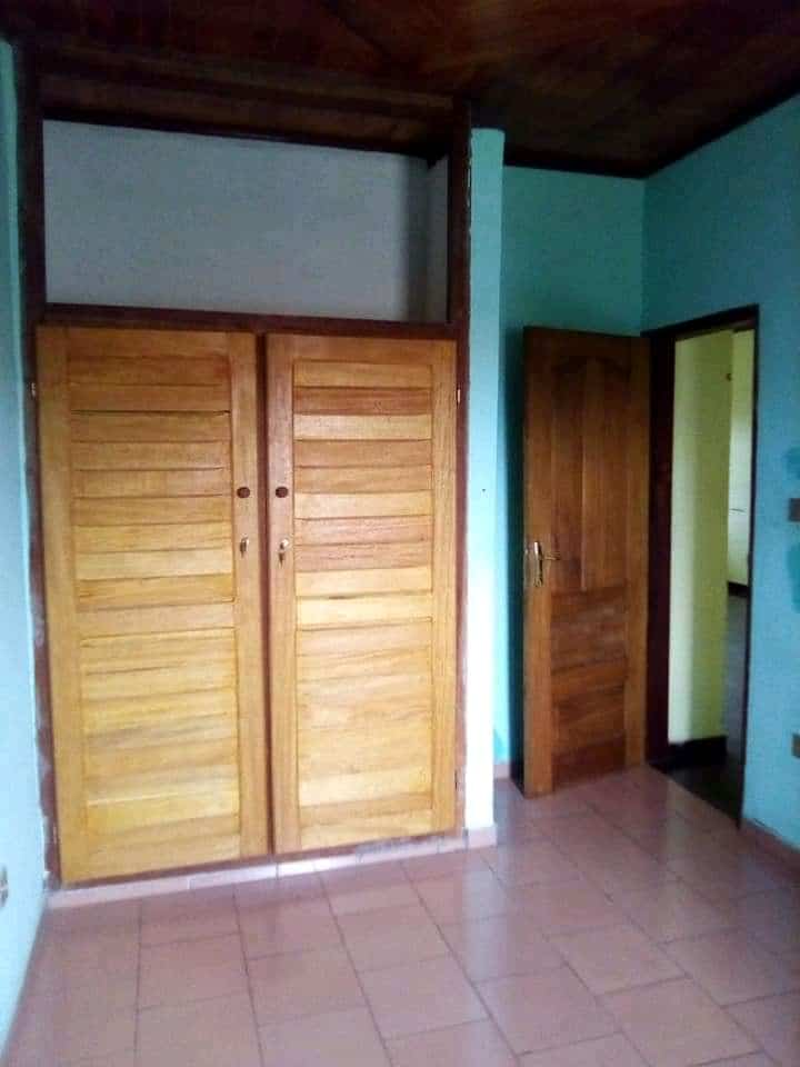 Apartment to rent - Douala, Logpom, AVANT andem - 1 living room(s), 3 bedroom(s), 2 bathroom(s) - 130 000 FCFA / month