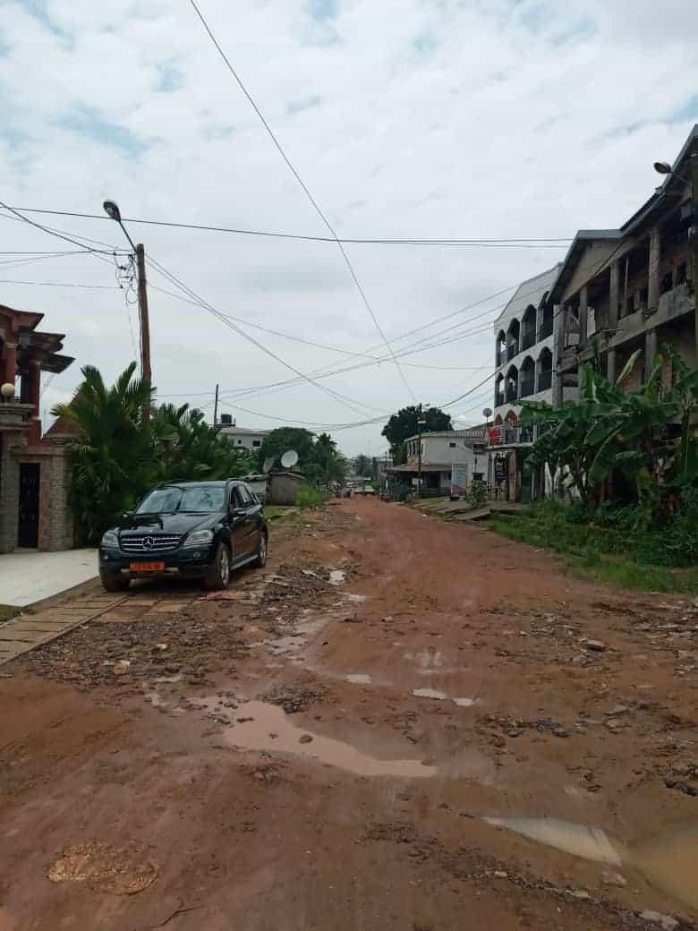 Land for sale at Douala, Logbessou I, Ver 5ème avenue - 575 m2 - 46 000 000 FCFA