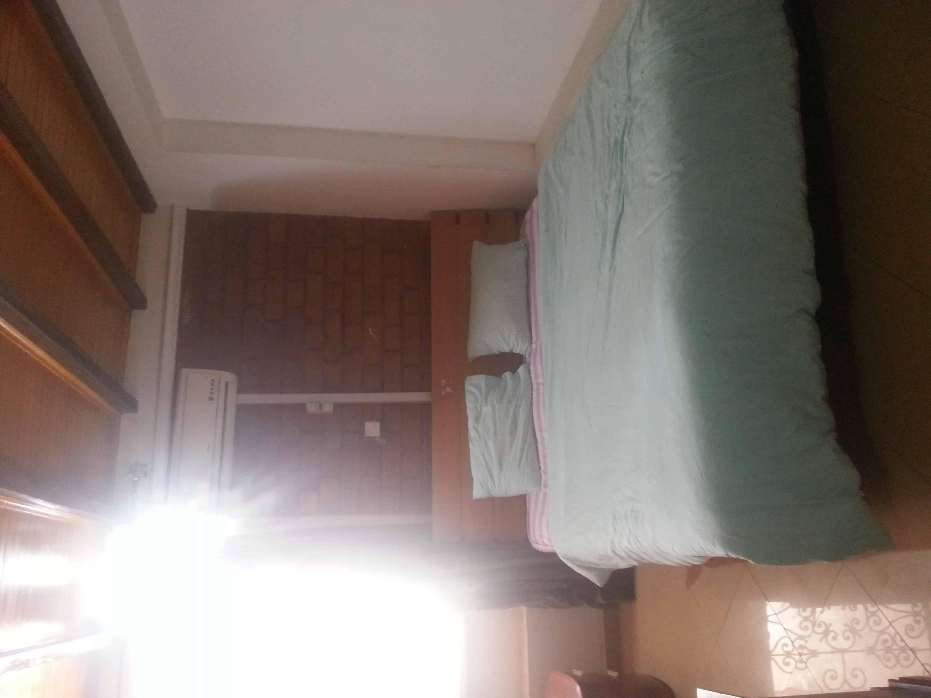 Apartment to rent - Yaoundé, Bastos, carrefour bastos - 1 living room(s), 3 bedroom(s), 2 bathroom(s) - 1 200 000 FCFA / month