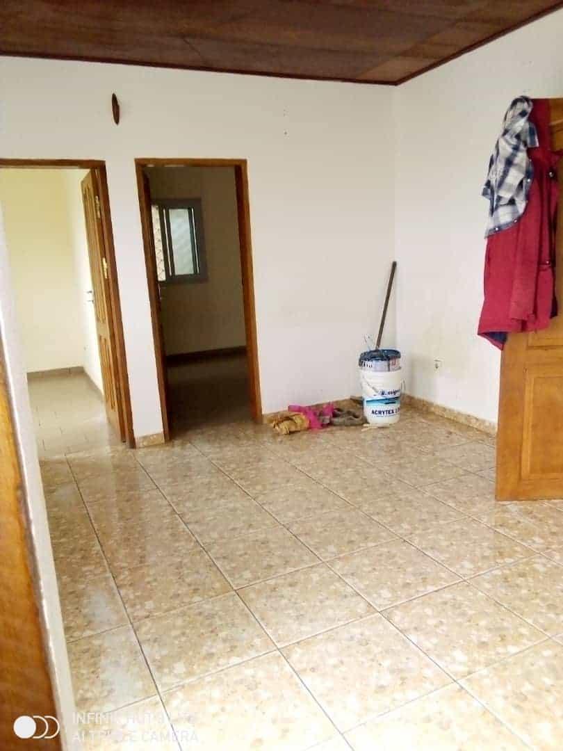 Apartment to rent - Douala, Logbessou II, Ver carrefour logbessou - 1 living room(s), 2 bedroom(s), 1 bathroom(s) - 65 000 FCFA / month
