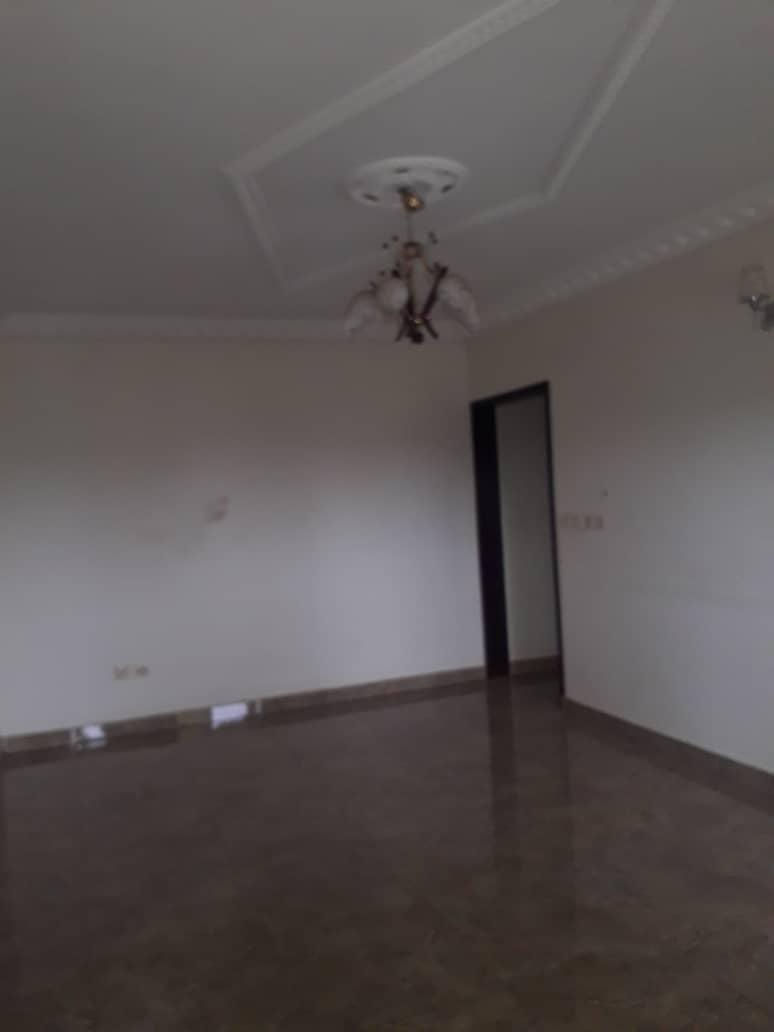 Apartment to rent - Douala, Kotto, Ver Baden Baden - 1 living room(s), 2 bedroom(s), 2 bathroom(s) - 140 000 FCFA / month