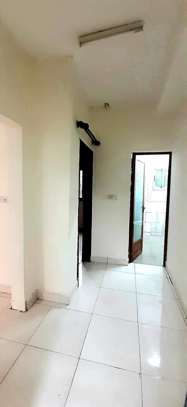Apartment to rent - Douala, Ndogmbe, NDOG-BONG - 1 living room(s), 1 bedroom(s), 1 bathroom(s) - 80 000 FCFA / month