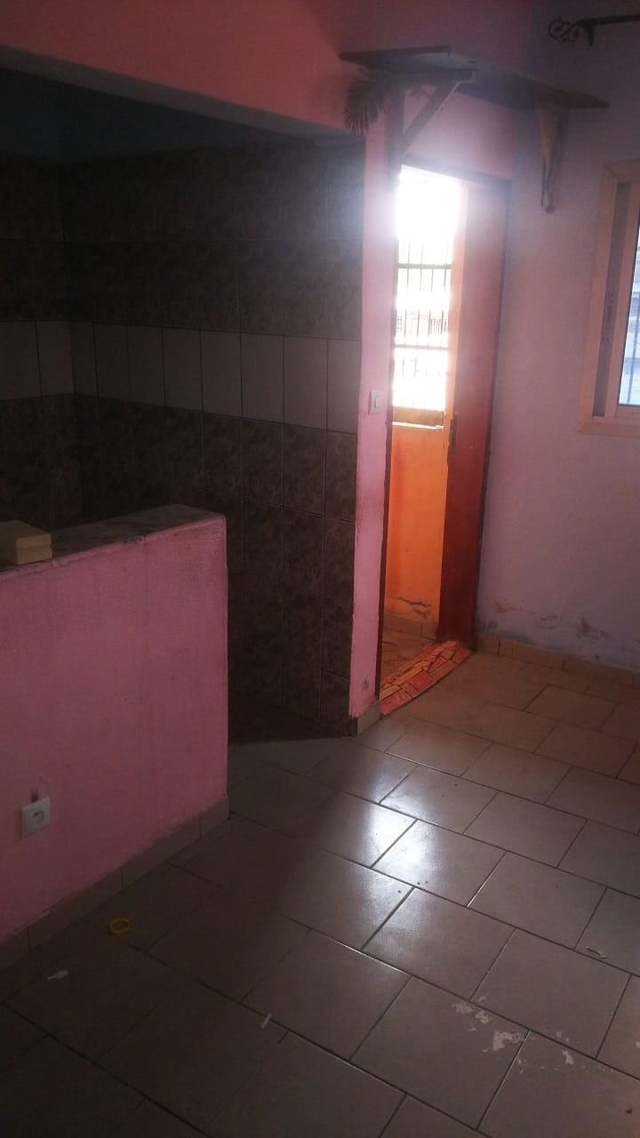 Studio to rent - Douala, Cité SIC, Ange Raphaël - 40 000 FCFA / month