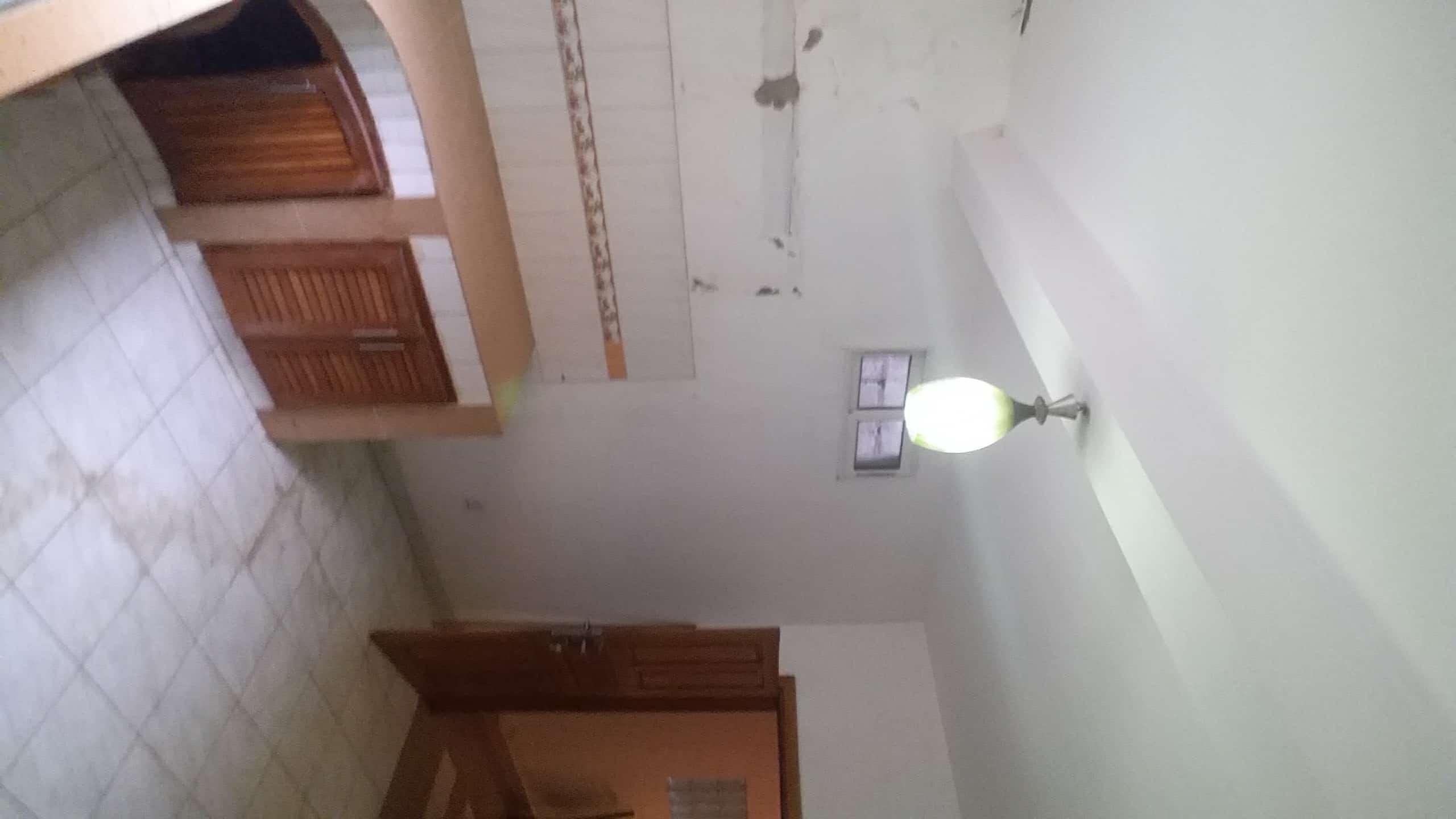 Apartment to rent - Yaoundé, Bastos, Golf présidence - 2 living room(s), 3 bedroom(s), 3 bathroom(s) - 350 000 FCFA / month