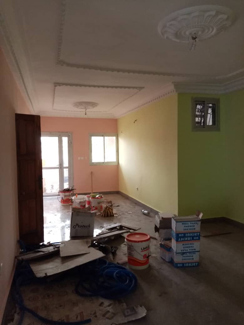 Apartment to rent - Douala, Logpom, Ver carrefour express - 1 living room(s), 3 bedroom(s), 2 bathroom(s) - 130 000 FCFA / month