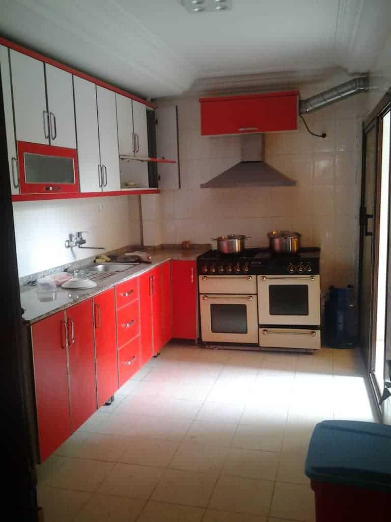 Apartment to rent - Yaoundé, Bastos, Bastos - 1 living room(s), 3 bedroom(s), 4 bathroom(s) - 100 000 FCFA / month