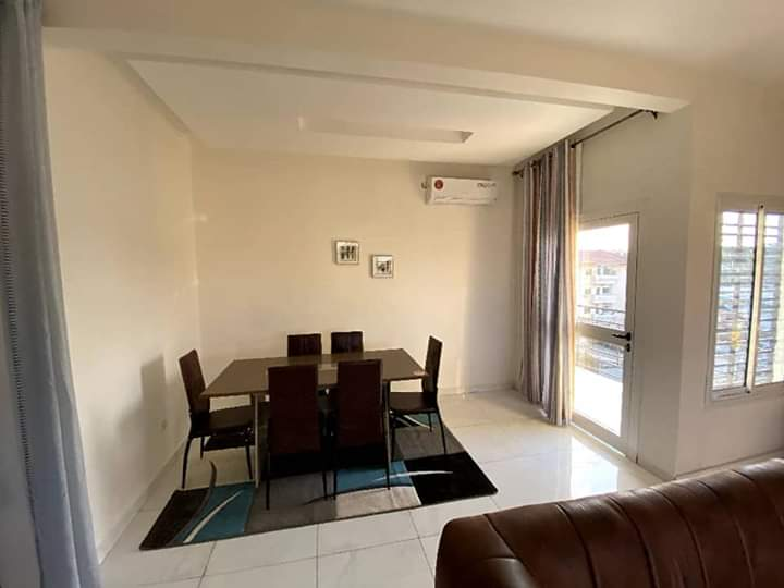 Apartment to rent - Yaoundé, Bastos, Bastos - 1 living room(s), 3 bedroom(s), 3 bathroom(s) - 90 000 FCFA / month