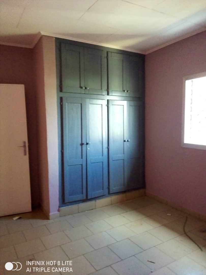 Apartment to rent - Douala, PK 14, C'est a pk13 - 1 living room(s), 2 bedroom(s), 2 bathroom(s) - 90 000 FCFA / month