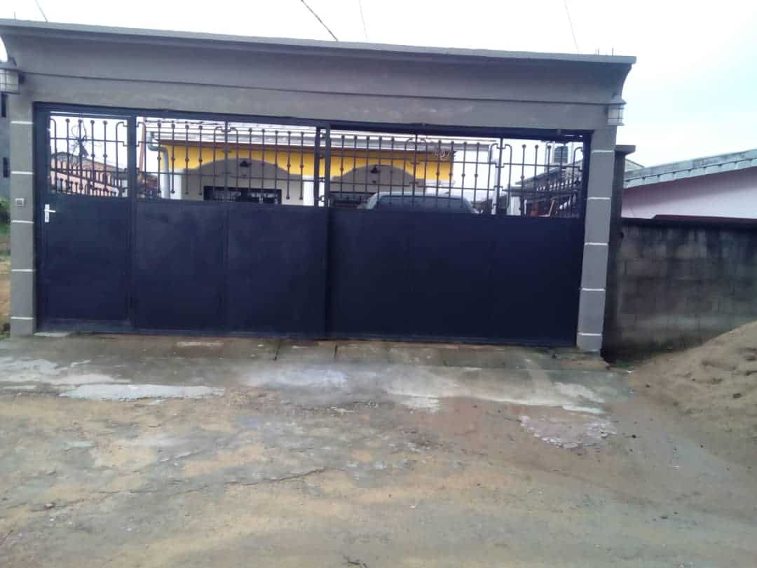 House (Villa) for sale - Douala, Bangue, Kotto - 1 living room(s), 3 bedroom(s), 2 bathroom(s) - 45 000 000 FCFA / month